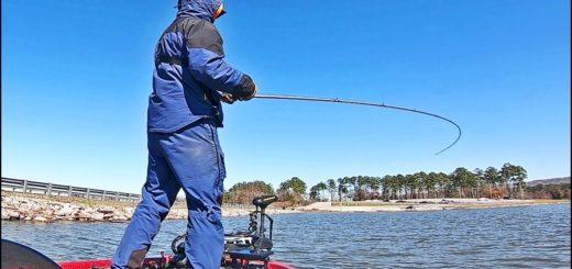 Early-Spring-Fishing-on-LAKE-GUNTERSVILLE-Pre-Bassmaster-Classic-2020